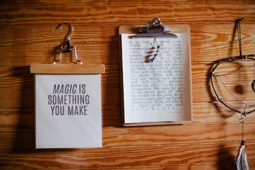 Блокнот, ловец снов, надпись Magic is something you make