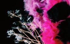 Карамель с персонажами игры Мафия, боа, перчатки