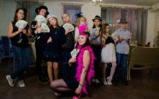 Ведущий Мафии Софья Молчанова и дети