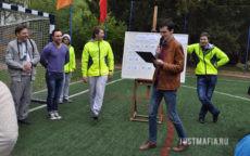Ведущий Дмитрий проводит «Свою игру»